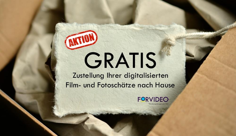 postpaket mit anhänger mit beschriftung aktion gratis zustellung der digitalisierten filme und fotos